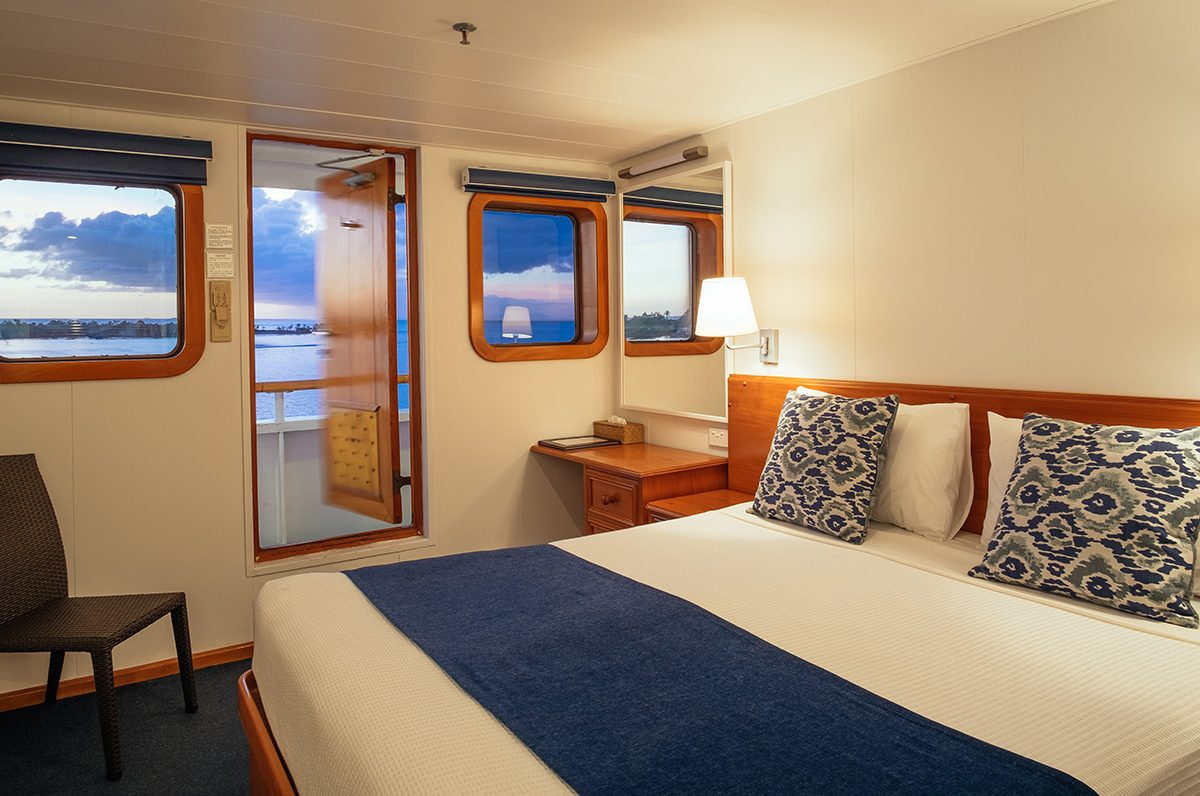 Mamanuca Islands - Day Trips - Captain Cook Cruises